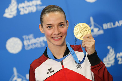 Bettina Plank mit der Goldmedaille in Minsk
