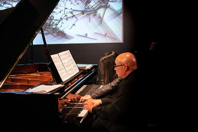 Another live concert in the frame of Ars Electronica Home Delivery saw Maki Namekawa and Dennis Russell Davies playing Steve Reich, Johann Sebastian Bach and Claude Debussy.